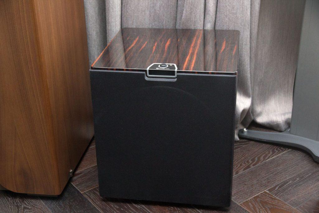 Домашний кинотеатр - Активный сабвуфер Monitor Audio Gold W15