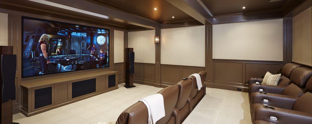 Домашний кинотеатр с видеопроектором