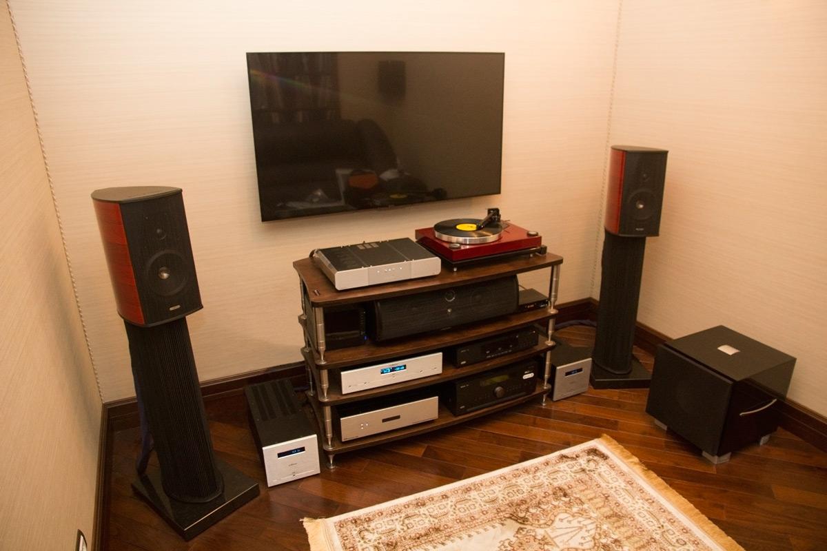Аудиосистема и домашний кинотеатр в квартире. АудиоПик - домашние кинотеатры и стерео под ключ.