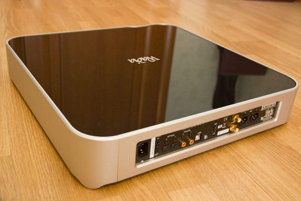 Цифро-аналоговый преобразователь Wadia di322 - задняя панель
